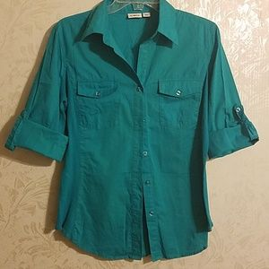 3/4 length turquoisey button up shirt